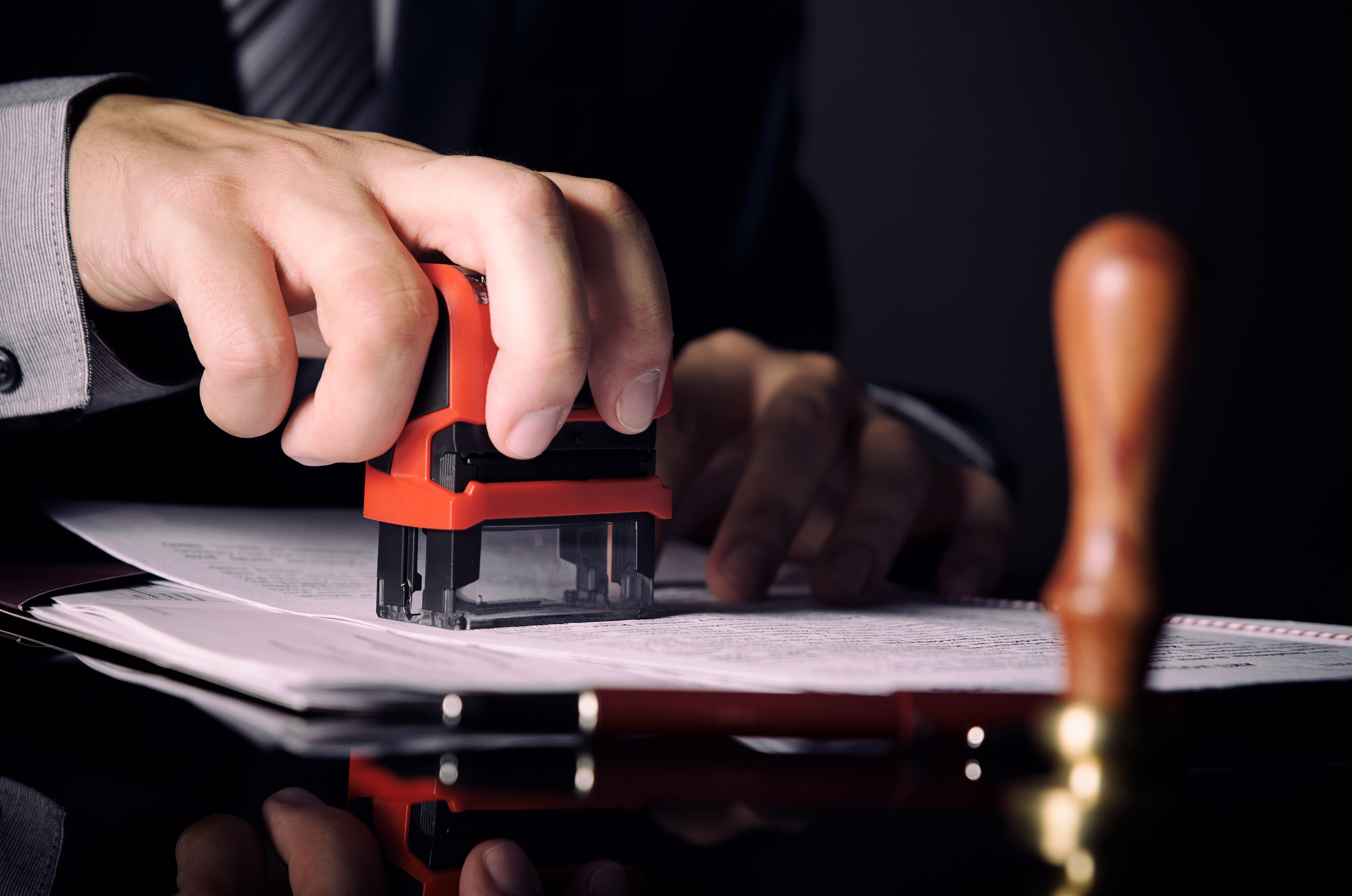 What is a notary public? Document verification, notorization